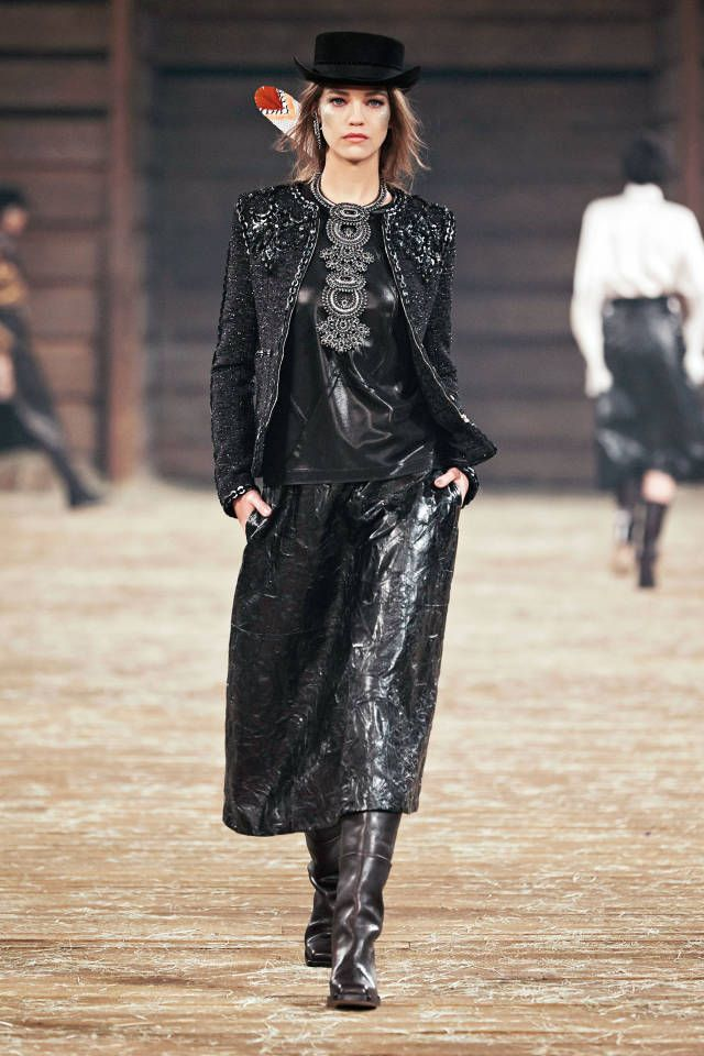 Lagerfeld fashion_western